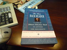 Bach_reader_2